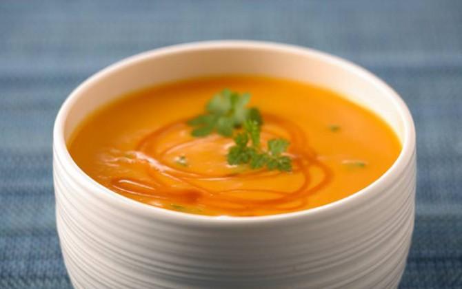 Sopa de zanahorias y naranja