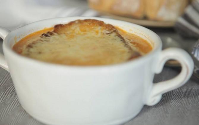 Sopa de ajo con pasta