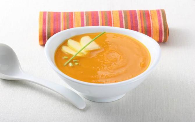 Crema de zanahoria con manzana