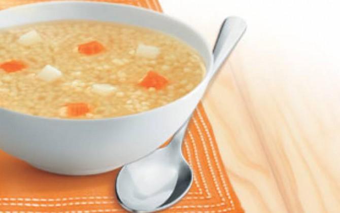 Sopa de pollo con maravilla