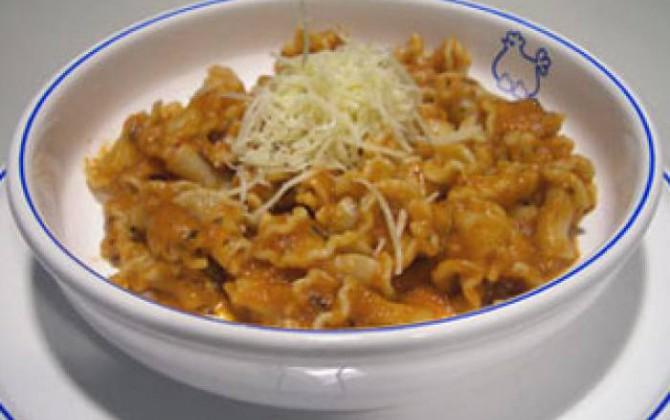 Pasta con salsa napolitana