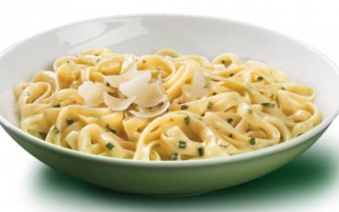 Tallarines a la Parmesana