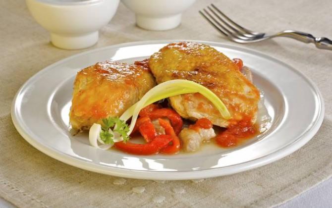 Guiso de pollo con pimientos