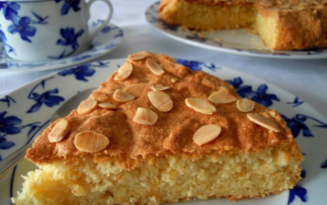 tarta de almendras aromatizada sin harina