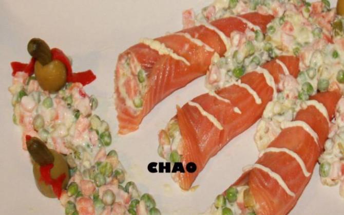 rollitos de salmón ahumado con ensaladilla rusa