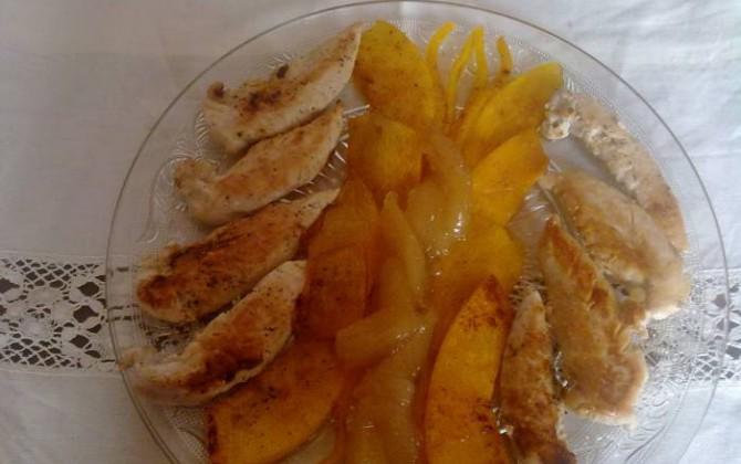 solomillos de pollo con calabaza a la plancha y compota de pera