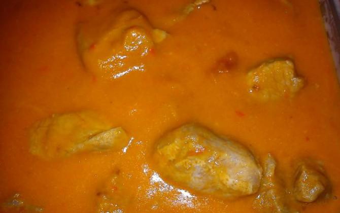trocitos de carne en salsa de pimientos
