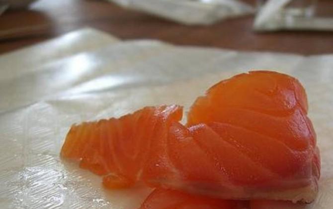 canapés de espárrago con salmón y queso philadelpia