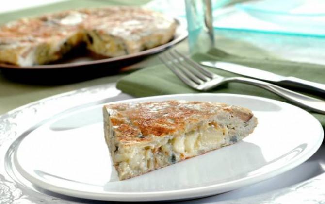 Tortilla con berenjenas y queso