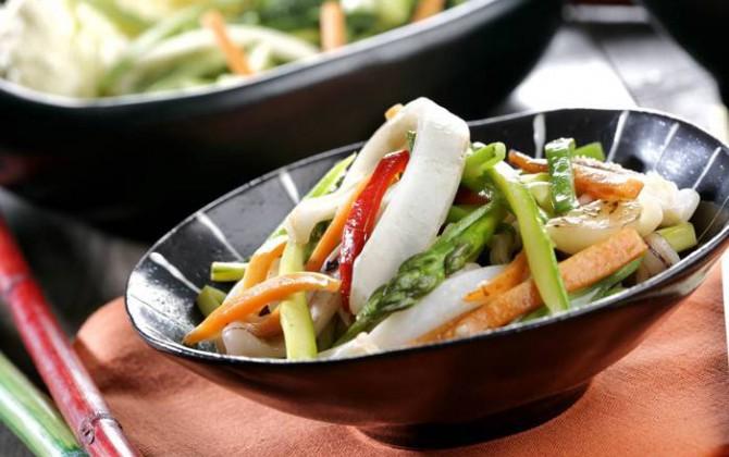receta de wok de verduras y calamares