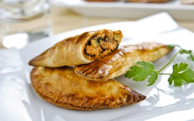 Empanadillas rellenas de verduras y atún