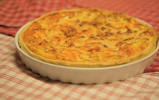 Tarta salada ligera de jamón y queso