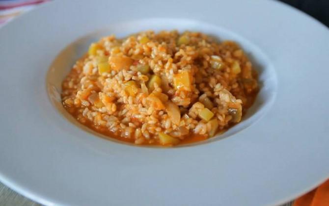 Receta de arroz integral con puerros y calabacín