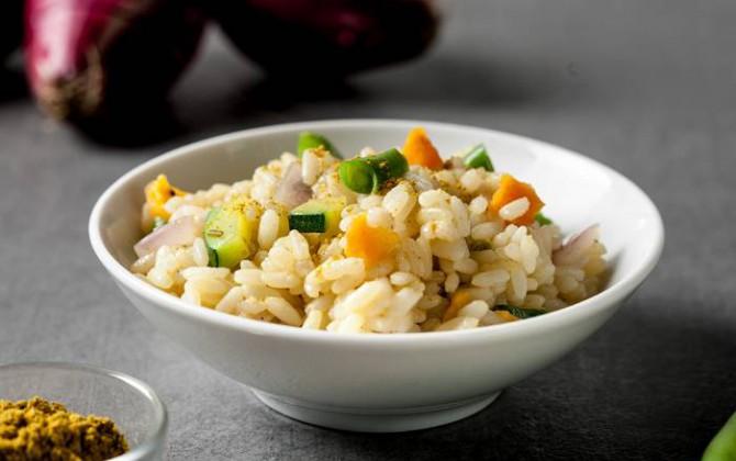 Arroz pilaf con curry y verduras