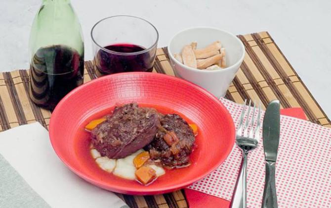 Carrilleras de cerdo al vino tinto