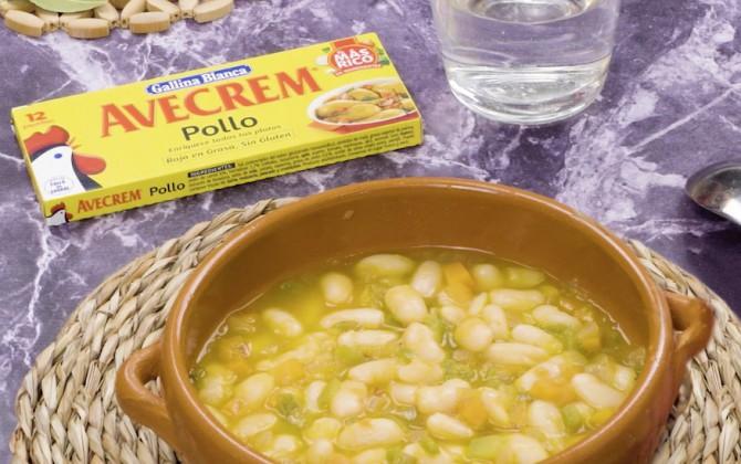 Bodegon con producto alubias blancas estofadas