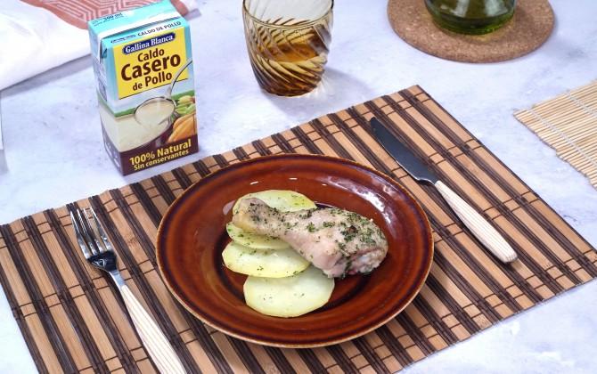 Bodegon con producto pollo al horno