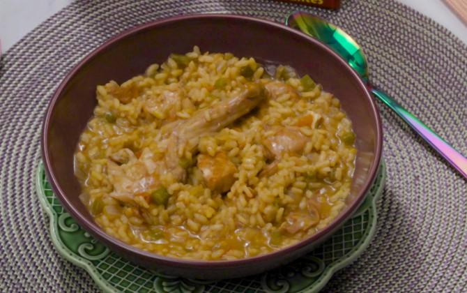 Bodegón de arroz caldoso con arroz y conejo sin producto