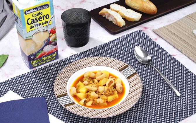 Calamares guisados con patatas con producto