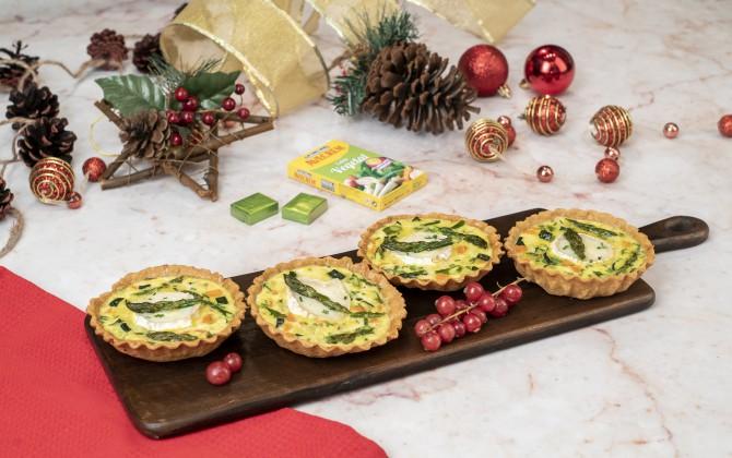 Bodegon de tartaletas de verduras y queso con producto