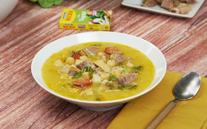 Emplatado con producto sopa de cocido gallego