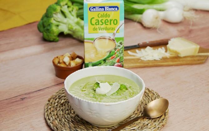 Emplatado con producto sopa de brócoli