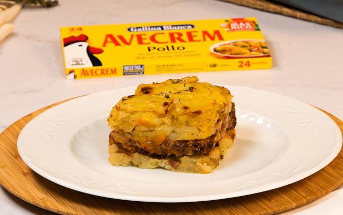 Emplatado con producto pastel de carne con patatas