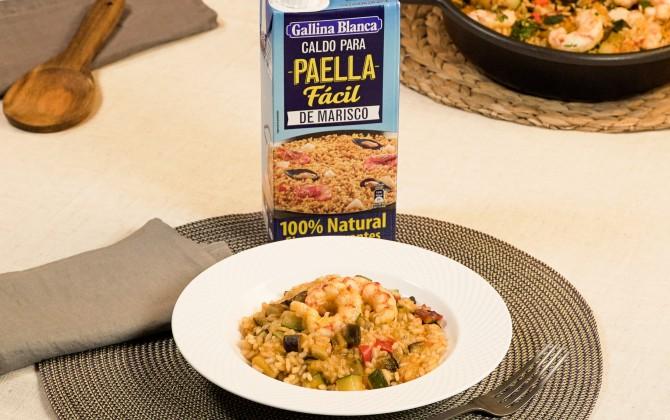 Emplatado con producto arroz con berenjenas y gambas