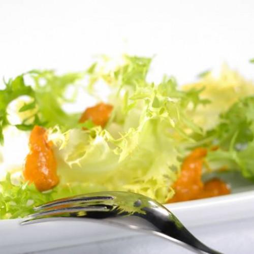Ensalada con romesco