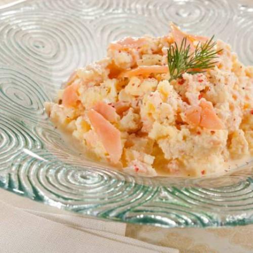 huevos revueltos con salmón ahumado