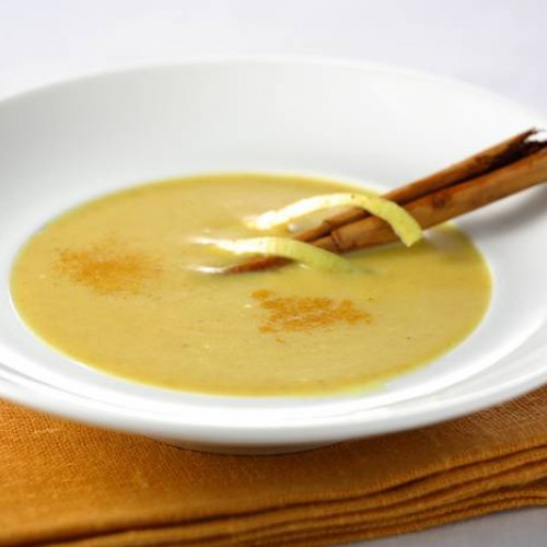 Sopa de manzana al curry