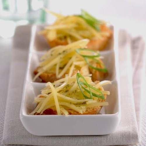 Canapés de queso a la mostaza
