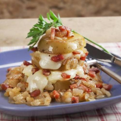 Receta de patatas al horno con cebolla y bacón