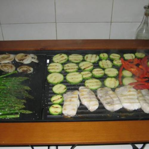 pescado a la plancha con parrillada de verduras