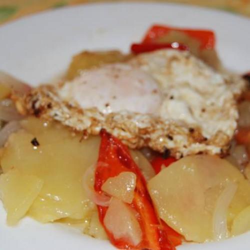 patatas al peloton con huevo