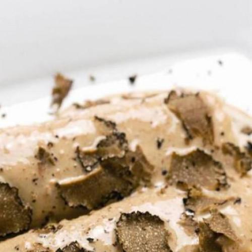 Canelones de pollo de corral y foie gras con bechamel de colmenillas