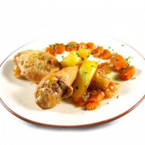 muslitos de pollo con sala de cebolla y zanahoria