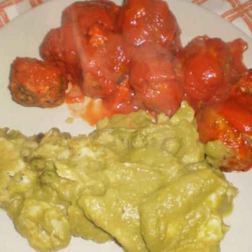 filetes de merluza en salsa verde de guisantes microondas
