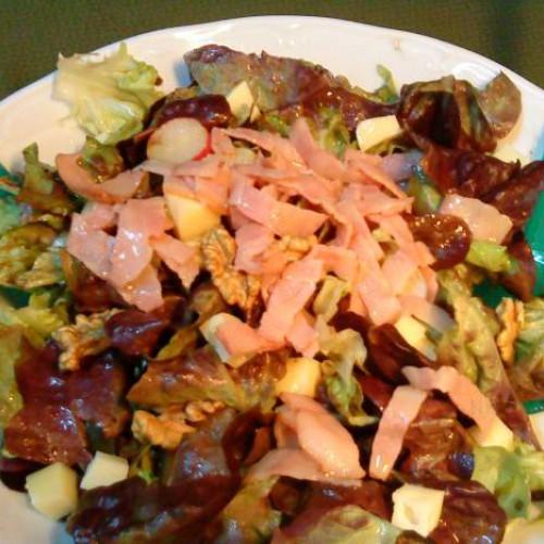 ensalada templada verde de bacon y nueces
