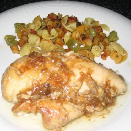 pechugas de pollo con cebolla caramelizada