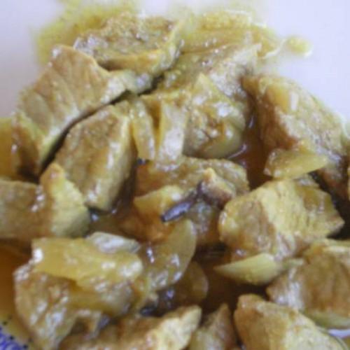 lomo de cerdo con curry y clavo