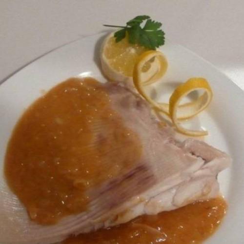 raya en salsa de cebolla