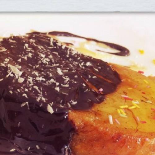 torrijas al almibar de naranja con chocolate