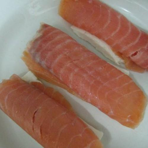 salmón ahumado con queso fresco