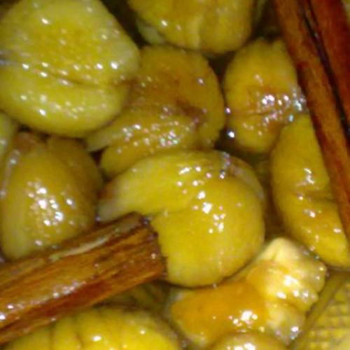 castañas pilongas en almíbar con canela en rama