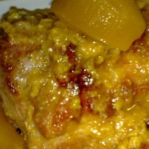 cinta de lomo ibérico con salsa de almendras y manzana confitada