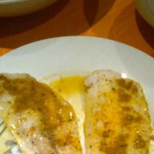 merluza al horno con curcuma y limón