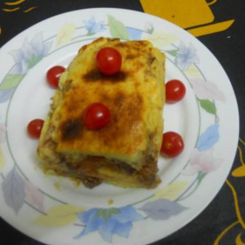 rollo de puré de patatas y carne