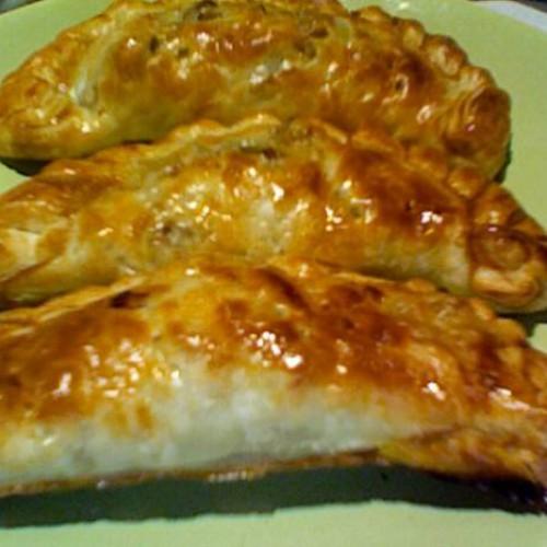 Empanada criolla argentina