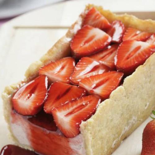 Tarta de queso fresco y fresas